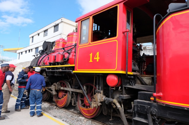 Red steam engine 14 at Riobamba